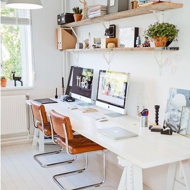 """Wouldn't you like to make a couple of """"M's"""" with your best friend in this double home office? Find similar pieces linked on the blog so you can recreate this workspace! 🌻💋"""
