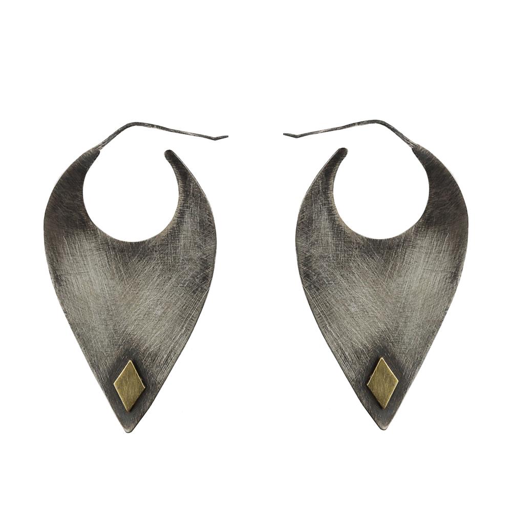 Blade Earrings2.jpg