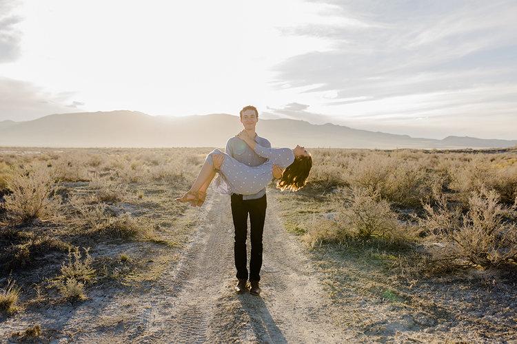 Utah Desert Engagements7.jpg