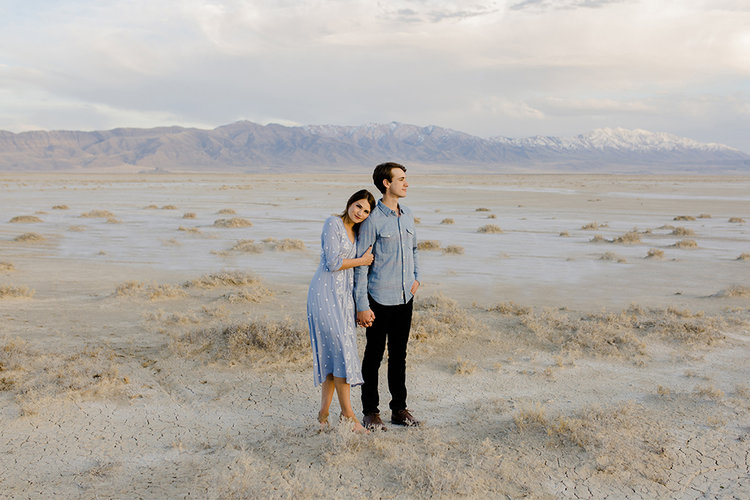 EVELYN + JORDAN'S UTAH DESERT ENGAGEMENTS