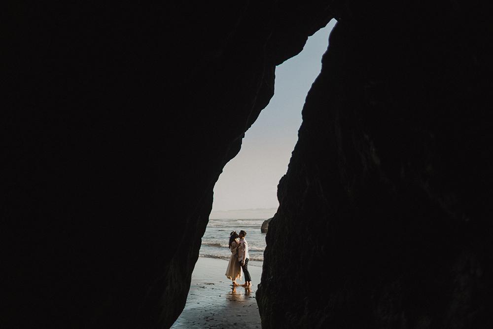 CHERRY + ERIC'S CANNON BEACH ENGAGEMENT PHOTOS