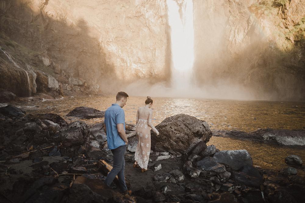 Snoqualmie Falls Engagement Photos17.jpg