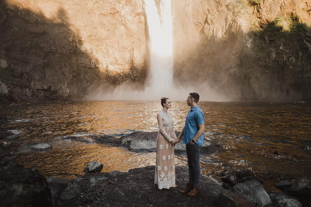 Snoqualmie Falls Engagement Photos27.jpg