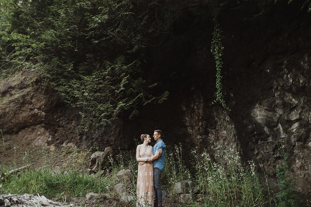 Snoqualmie Falls Engagement Photos28.jpg