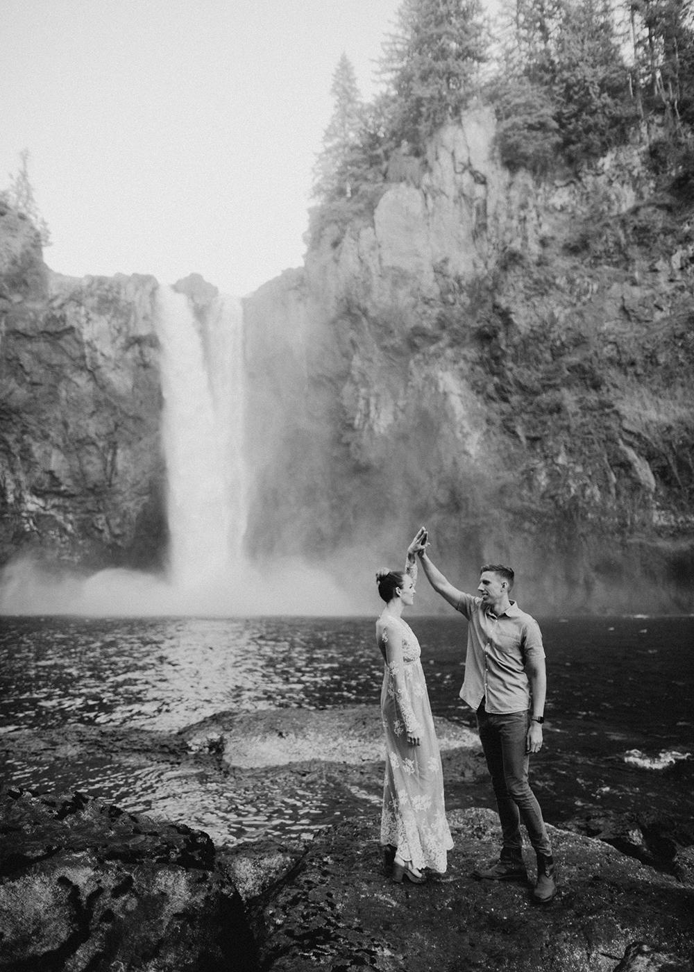 Snoqualmie Falls Engagement Photos47.jpg