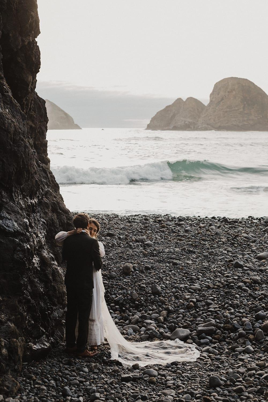 Oceanside Oregon Elopement46.jpg