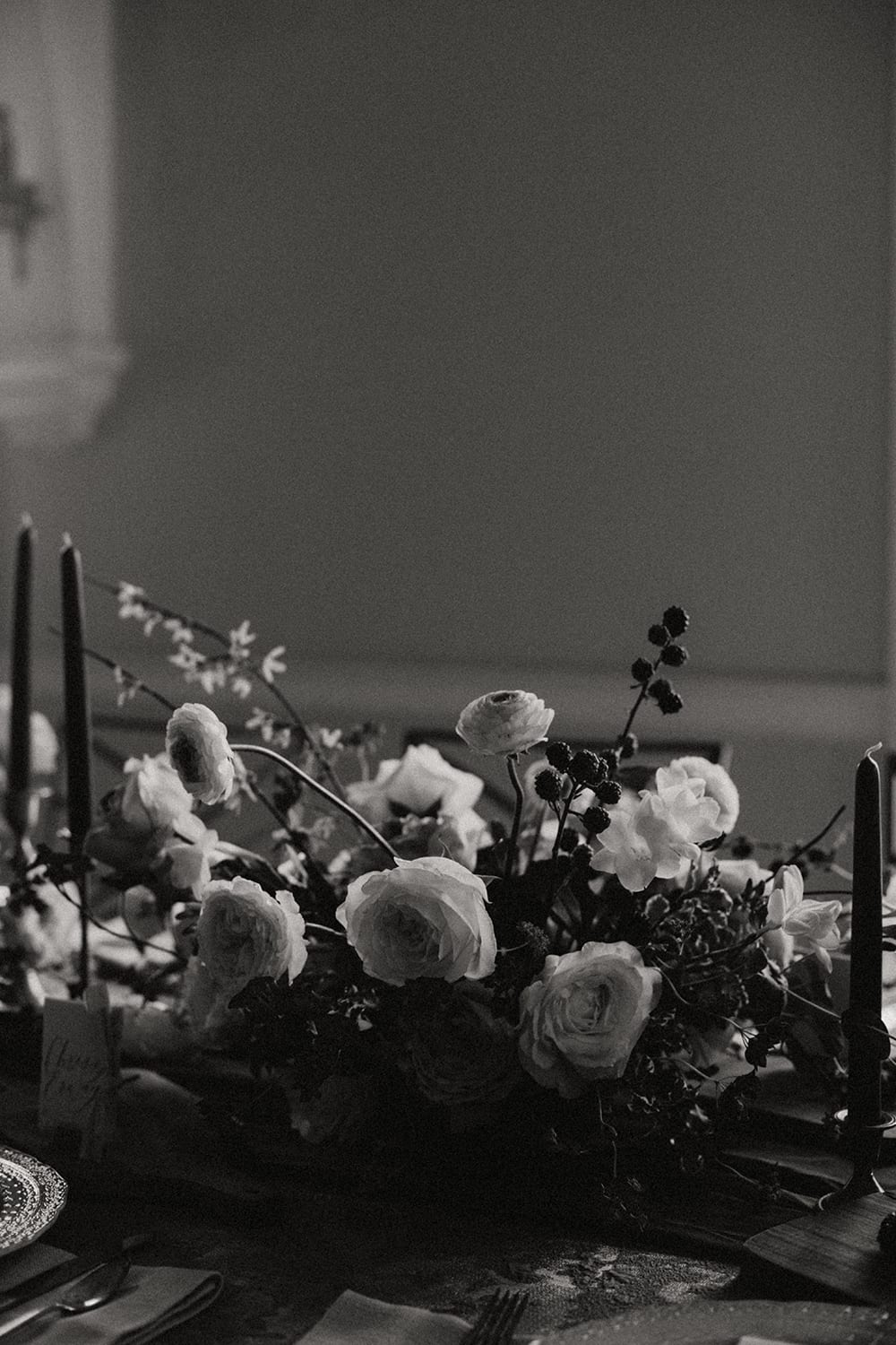 Rainier Chapter House Wedding13.jpg