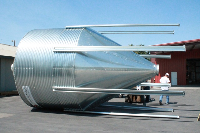 12 ft. 3 Ring Bulk Feed Tank