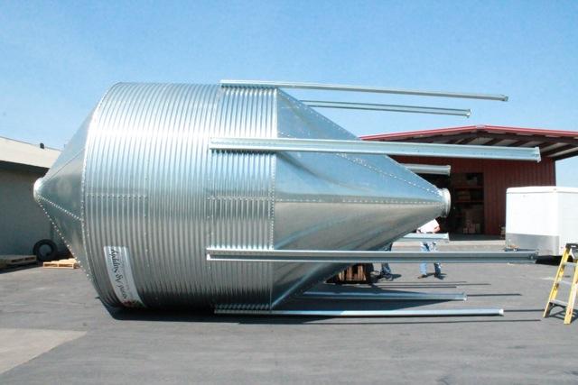 12 ft. 3 Ring Bulk Feed Tank