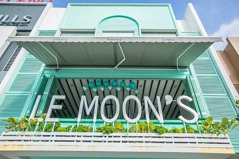 Le-Moons.jpg
