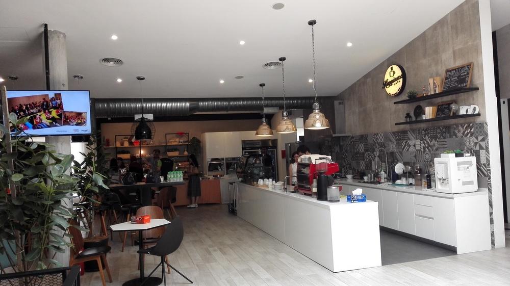 Feruni-Happiness-Cafe.jpg