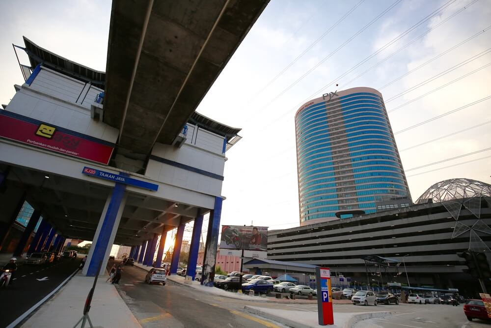 Gapture Malaysia is 3-minute walk from Taman Jaya LRT station