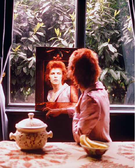 Bowie, Mirror Haddon Hall, 1972