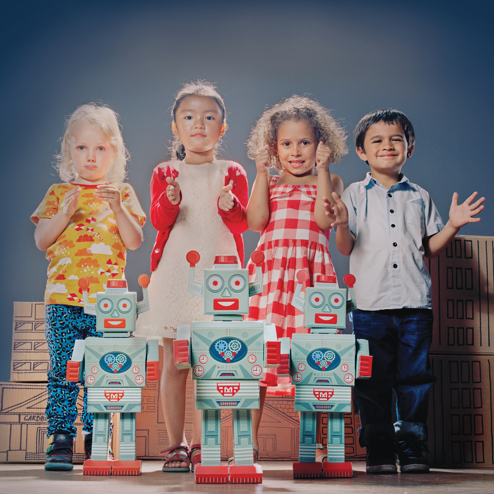 Megabot-lifestyle01-1500x1500.jpg