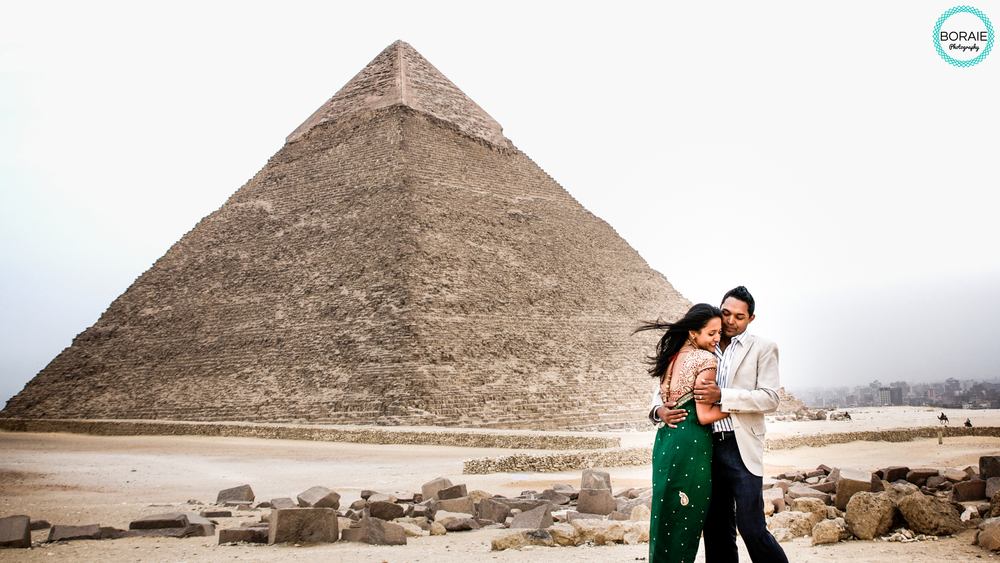 engagement photography at the pyramid in Egypt