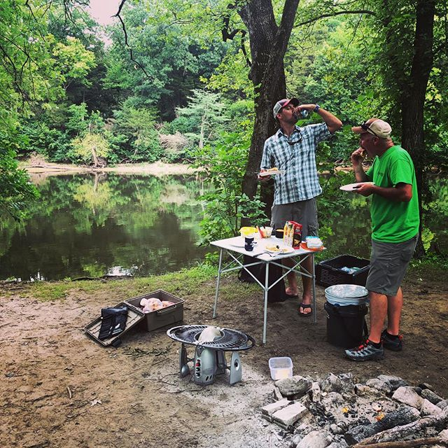 Shore Lunch. @amishtrout_goucho #amishtrout #guidelife