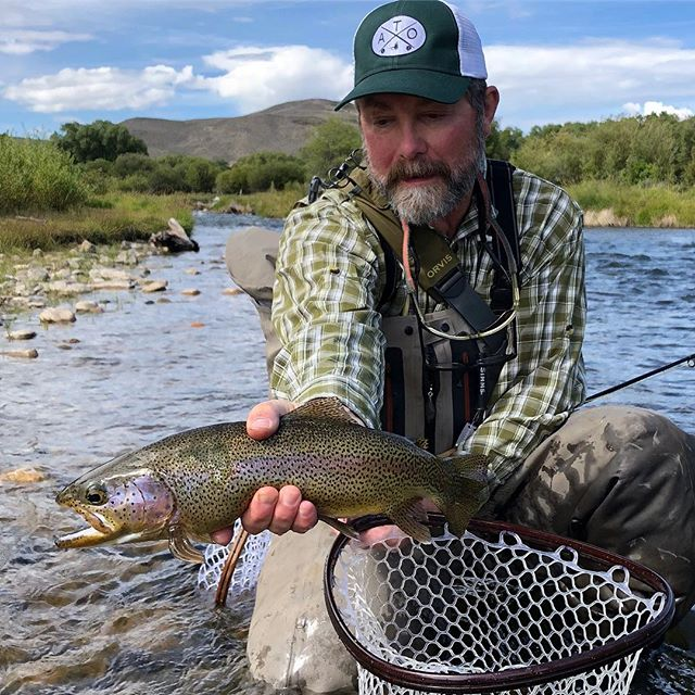 ATO guide trip to Colorado. @doc_beachy with a Williams Fork of Co River rainbow #doc_beachy #lectu