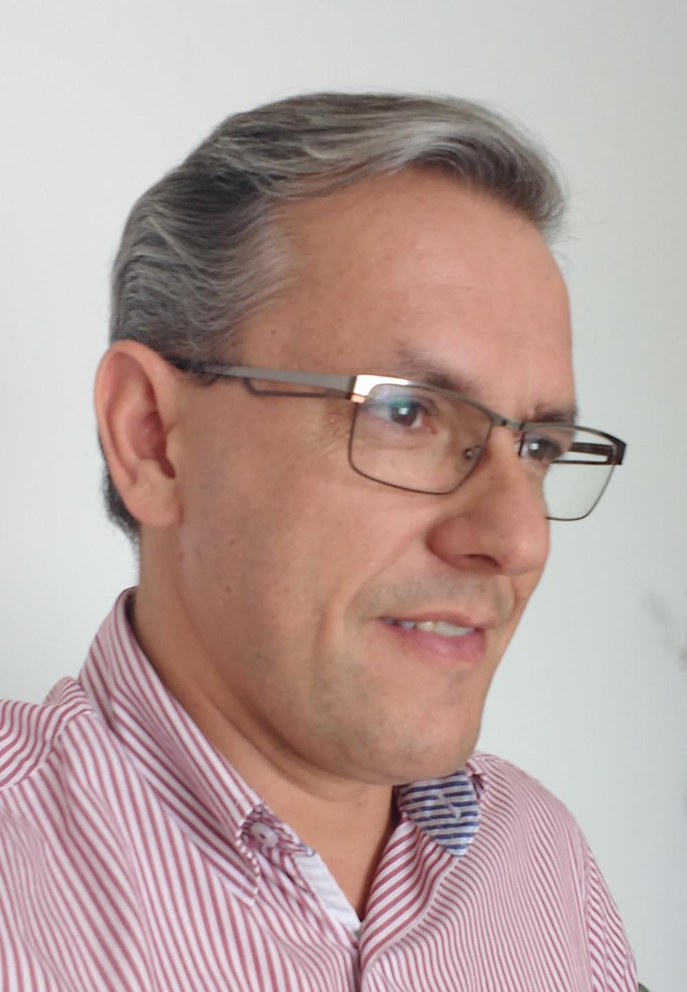 Copy of Marcio Oliviera, Independent consultant