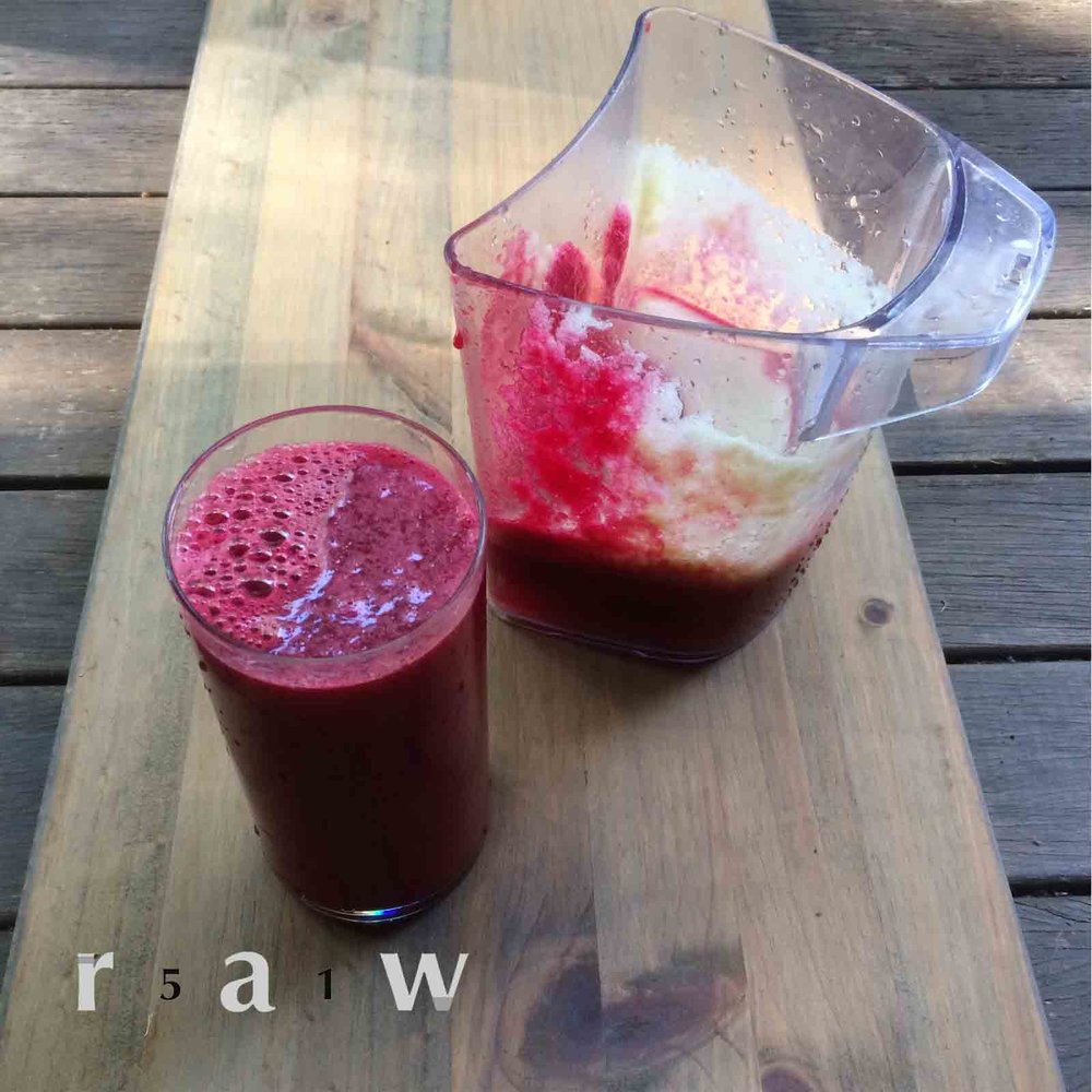 51raw.com-apple-carrot-beetroot-ginger-garlic-juice.jpg