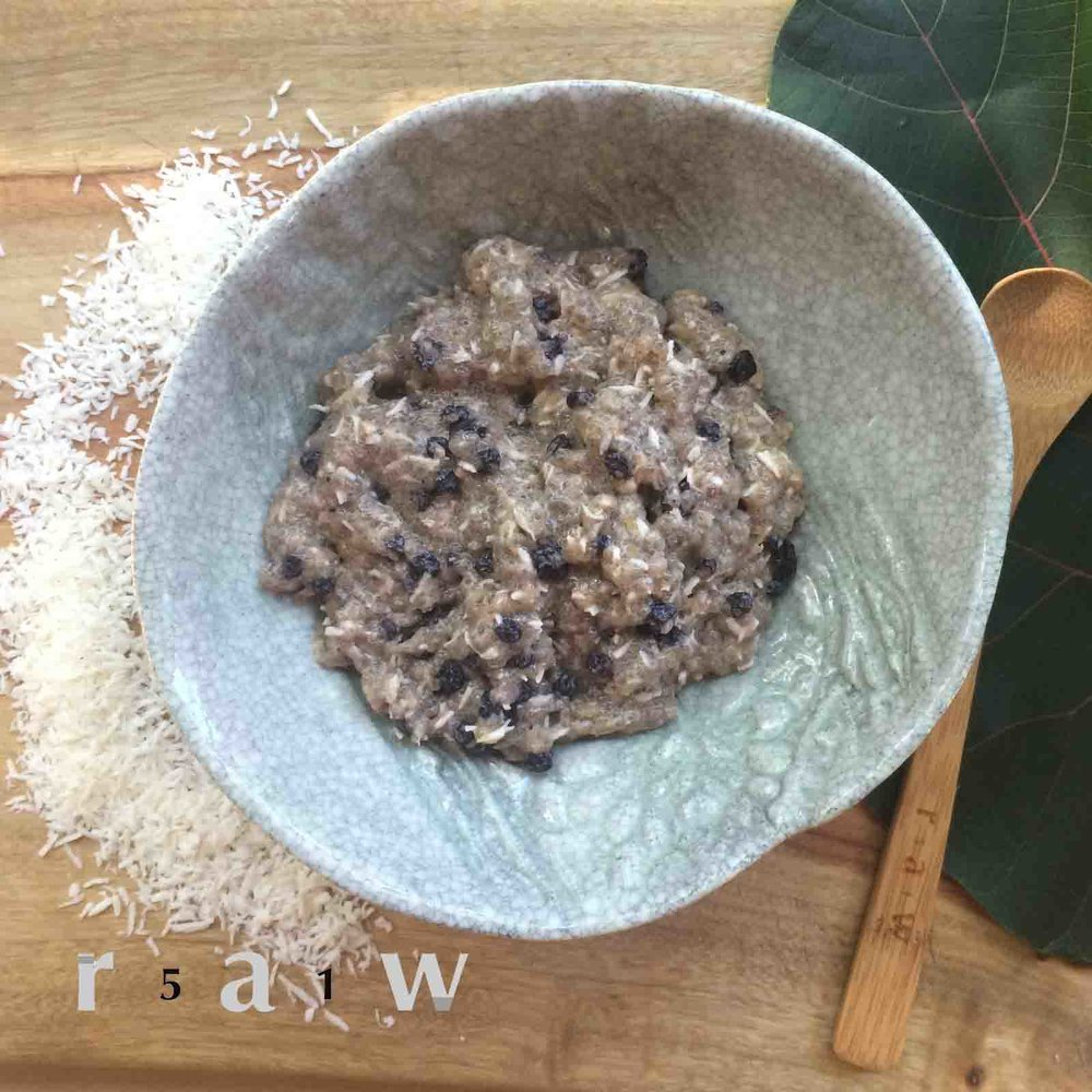 raw-food-diet-creamy-coconut-currant-chia-psyllium-husk-pudding-51raw.com.jpg