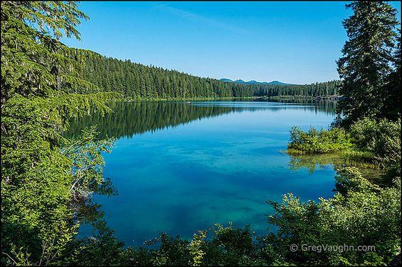 Image of Upper Klamath Lake via GregVaughn.com