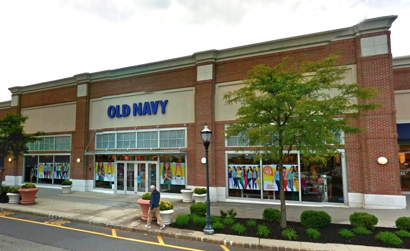 Old Navy Holmdel commmons.jpg