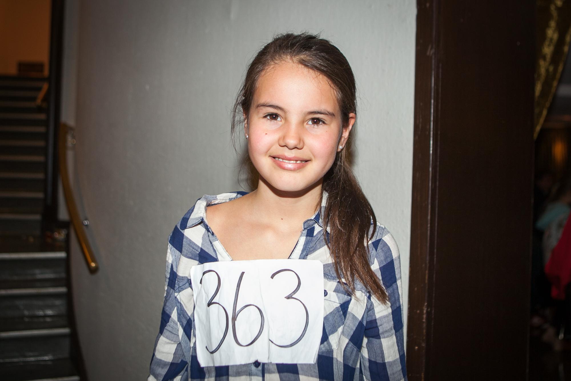 Simona Bravo Johansen har spilt Annie på skolen og har akkurat fått beskjed om at hun har gått videre til neste runde