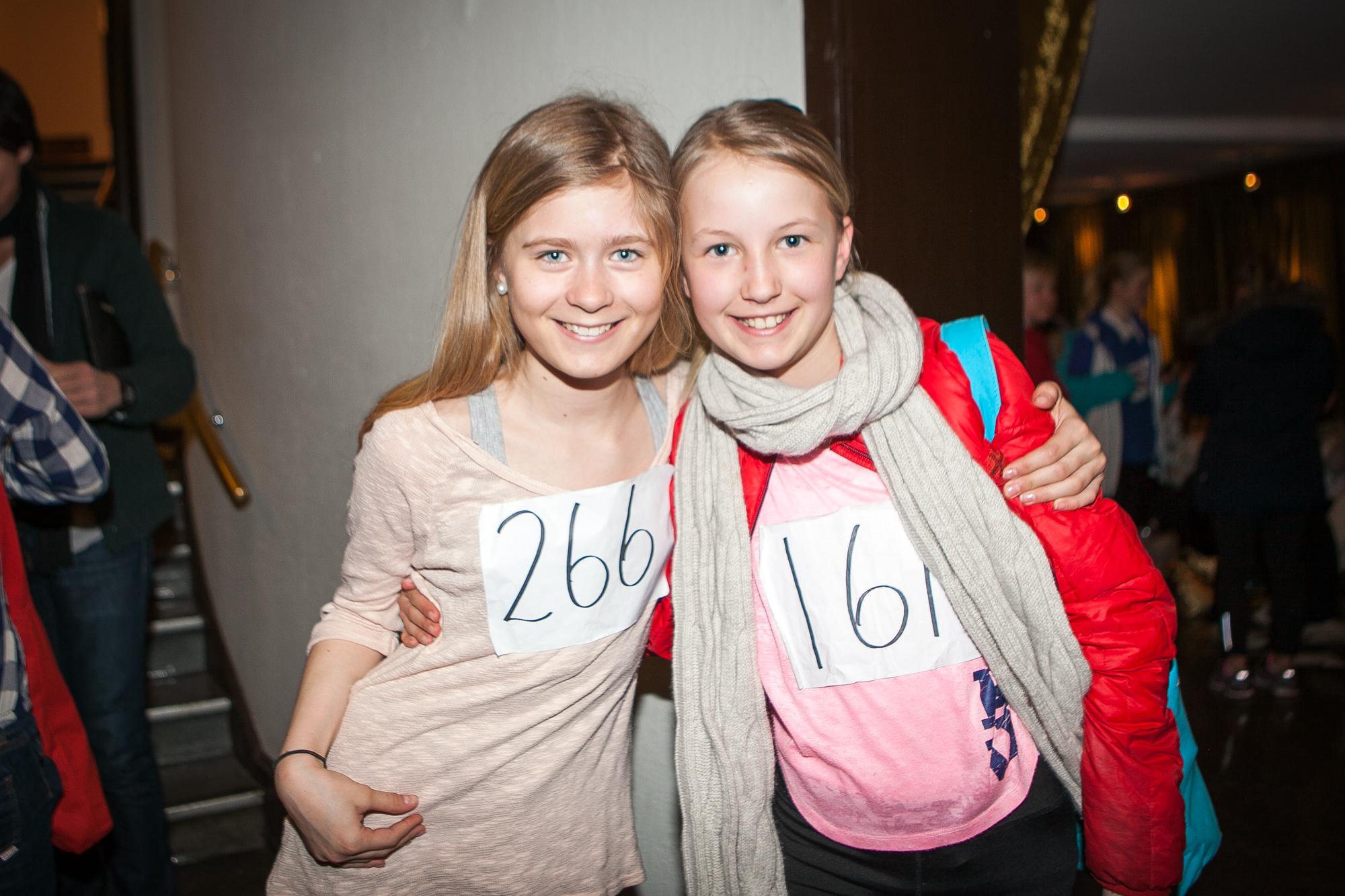 Charlotte Sinding Langtind og venninnen Julie Høgerveit gikk videre begge to.