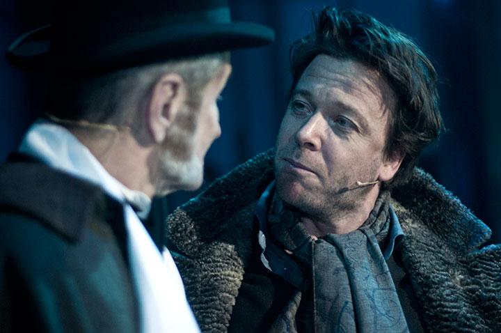 Kåre Conradi og Finn Schau spiller rollen som Pickering i My Fair Lady på Folketeateret