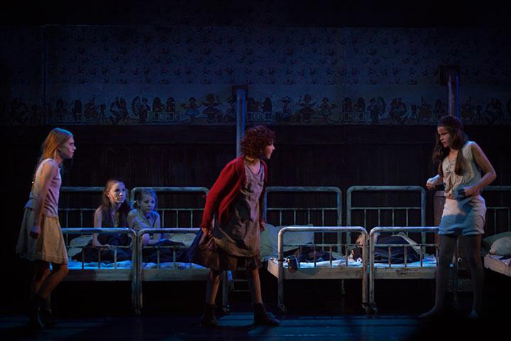 Den populære musikalen om Annie har trollbundet generasjoner
