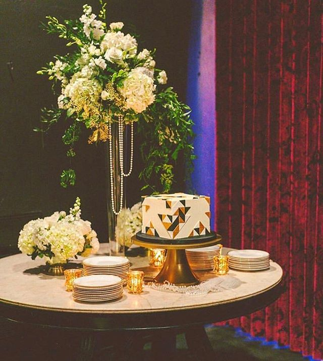 Who doesn't love a Gatsby themed soirée! Photo by @heathercbanks