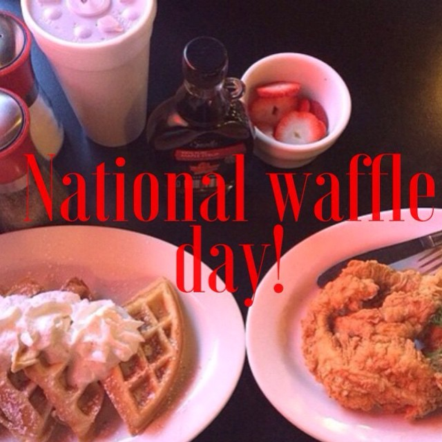 Come celebrate National Waffle Day @toastershouston! #waffles #chickenandwaffles #southernfood #downtownhouston #dthtx #houston #texas #nationalwaffleday #houstoneats #nomnomnom #toasterscafe #toasters #toastershouston