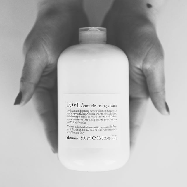 Hello. Is it me you're looking for?  There's is even more to love in the LOVE curl collection from davines.  All in one: shampoo and conditioner ideal for wavy to very curly hair. A mild moisturizing low foam cleansing cream that gently takes away impurities and gives extremely soft hair. Thanks to it's extra conditioning and nourishing effect doesn't need the conditioner afterwards. . . . . . #hairofig #hairlove #salonlife #iworkweekends #stylistssupportingstylists #asheville #avl #ashevillehair #ashevilledoeshair #davines #davinesnorthamerica