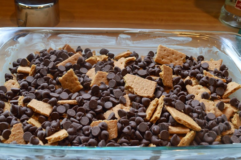Graham crackers and chocolate chips
