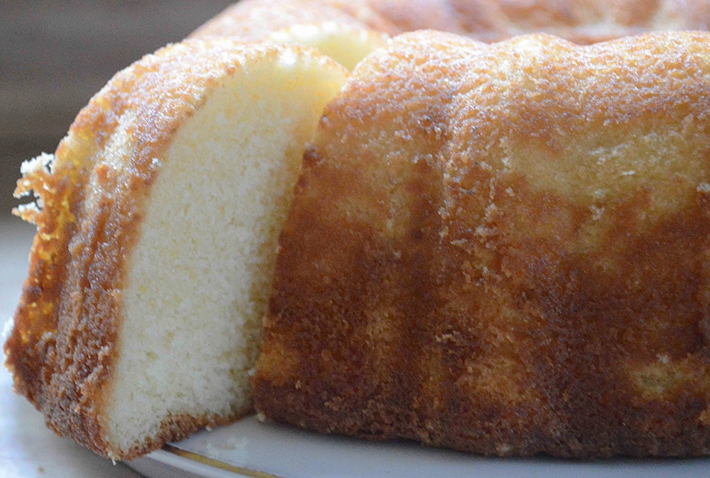Lemon-Vanilla Bundt Cake