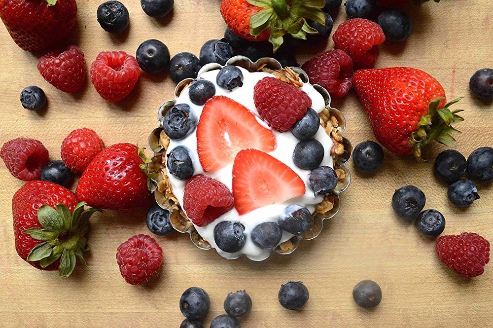Breakfast Granola Fruit Tart-Pinterest Picks