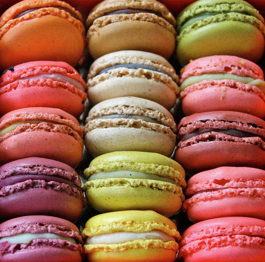 paris-colorful-macaroons-abbietabbie.jpg