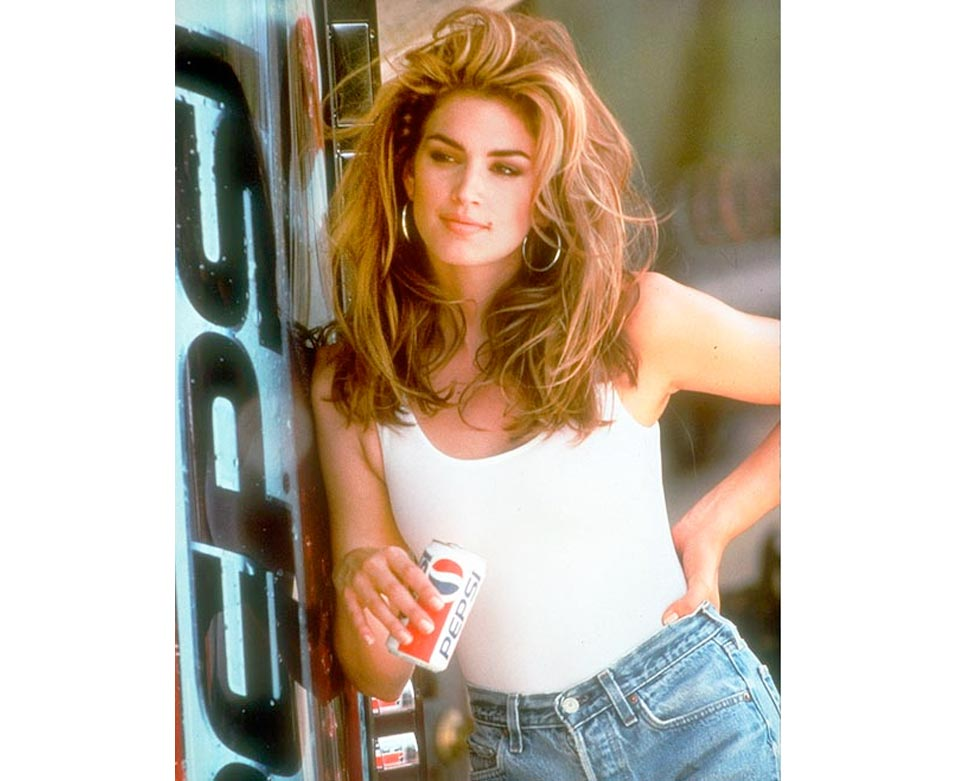 Reva notes Cindy Crawford from the 1992 Pepsi commercial as her beauty icon.