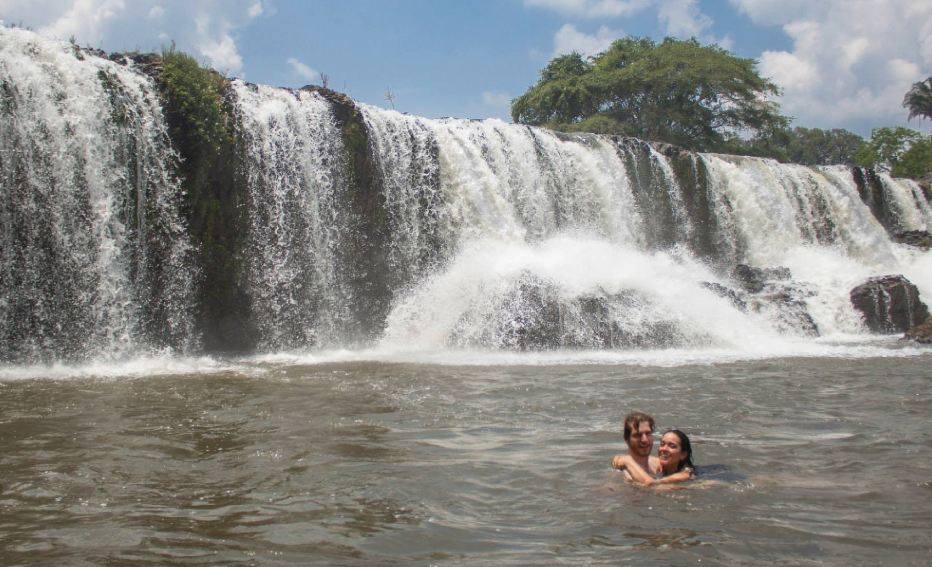 Gizel and Ben at the Waterfall of Socialist Insurgents (literally!), Veracruz, Mexico