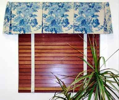 Wood Venetian Blinds With Box Pleated Valance