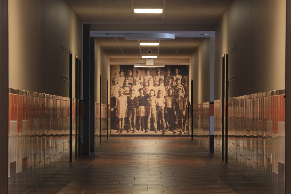 2 gsisd corridor 5498.jpg