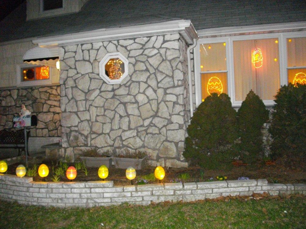 Moms house easter.jpg