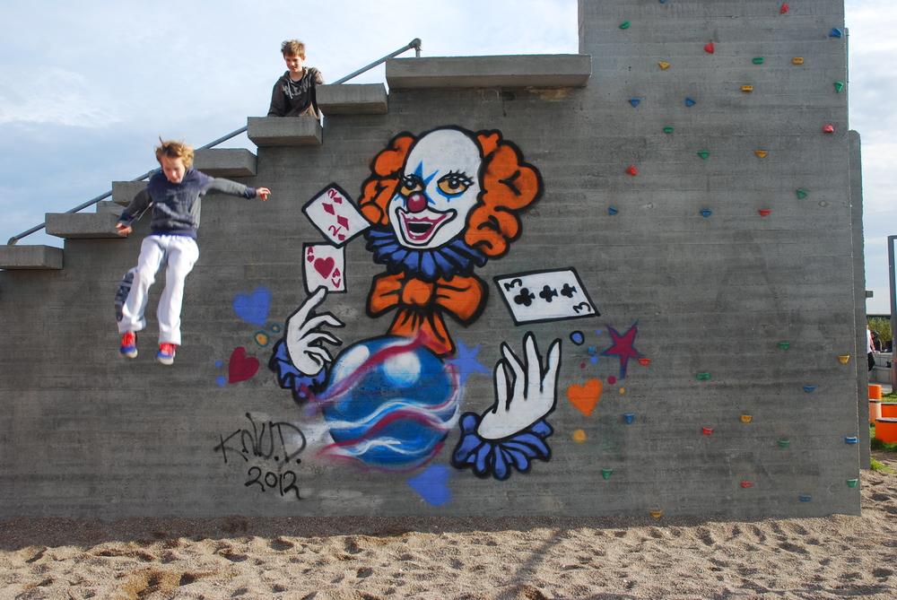 Plug N Play, Street art