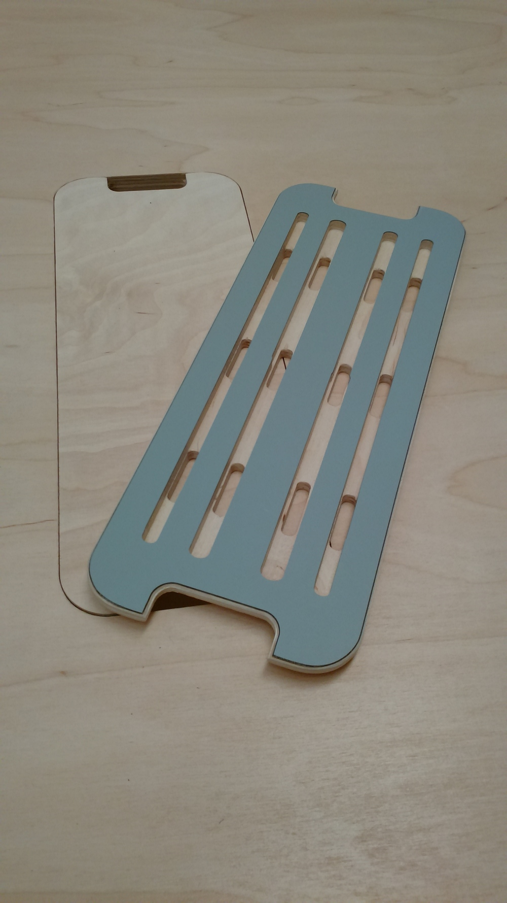 Tapa ciega con salidas laterales / Tapa con ranuras para telefonos y pads