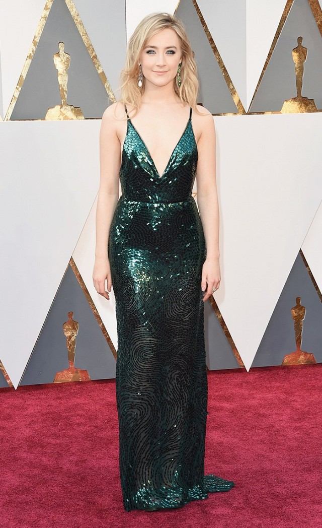 the-oscars-red-carpet-looks-everyone-is-talking-about-1677169-1456703975.640x0c.jpg