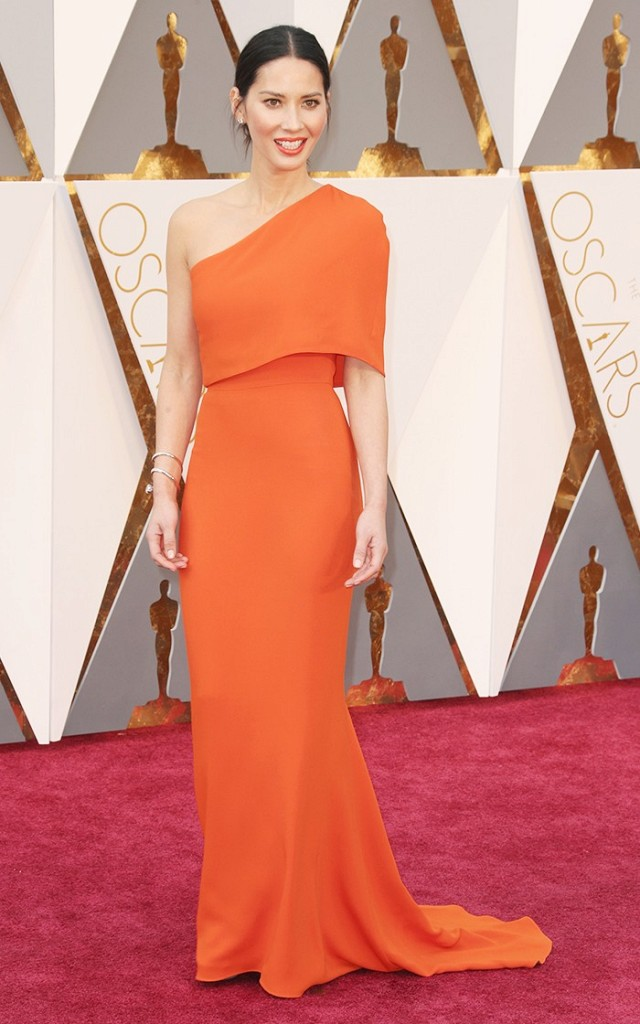 the-oscars-red-carpet-looks-everyone-is-talking-about-1677182-1456705294.640x0c.jpg