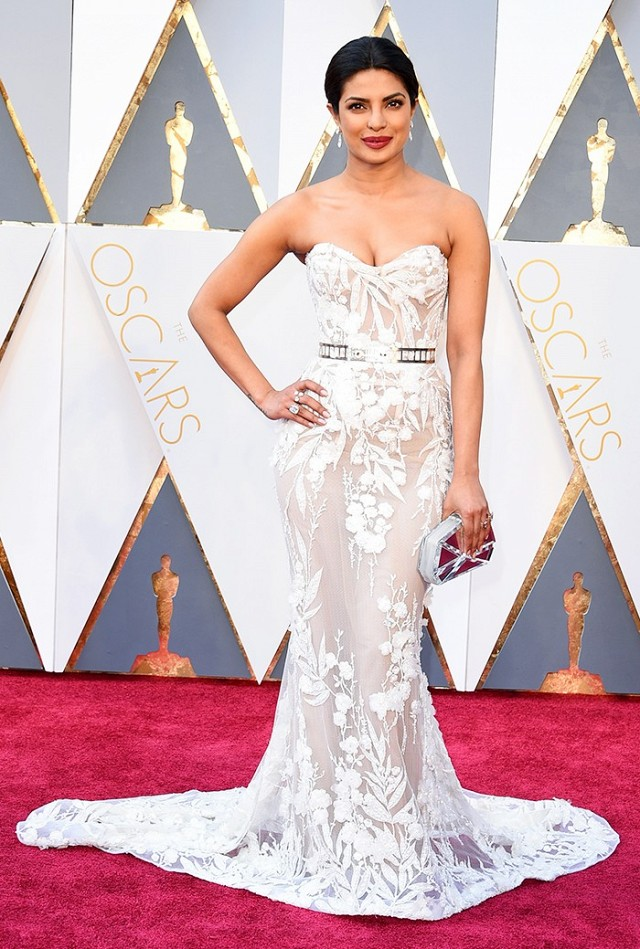 the-oscars-red-carpet-looks-everyone-is-talking-about-1677170-1456703975.640x0c.jpg