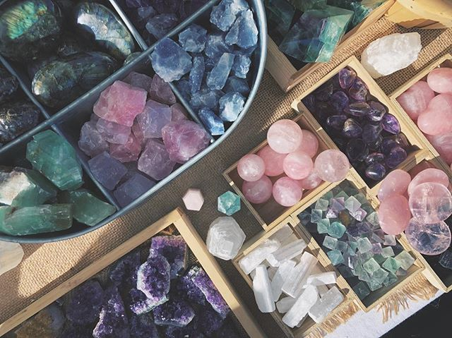 Sparkles! Just a selection of some of the smaller stones I bring to markets! I'll be shopping for crystals quite a bit before the Fall @fireflyhandmade market in September, do you have any requests as to what I should look for? Let me know! ✨✨✨