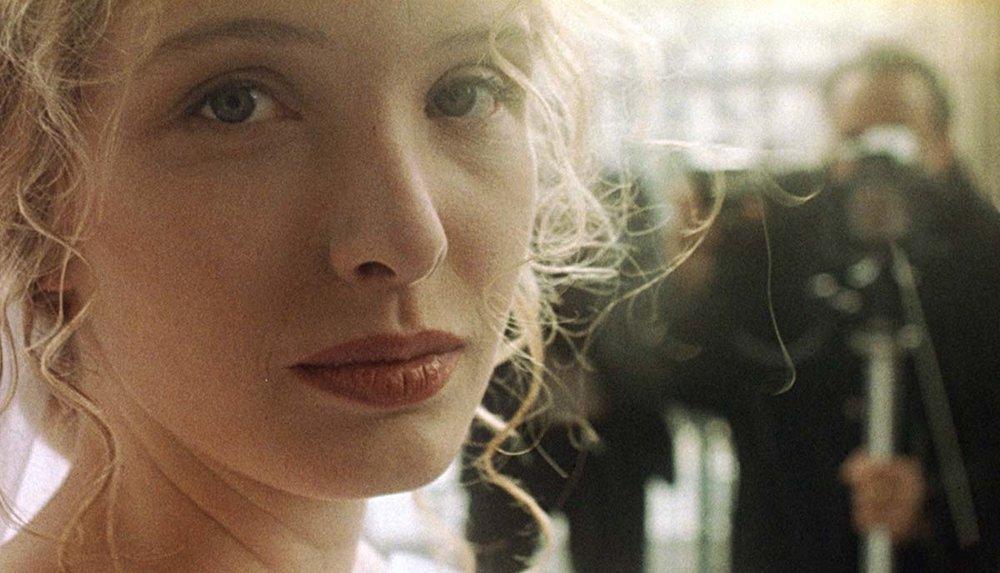 White ,Krzysztof Kieslowski (1994)