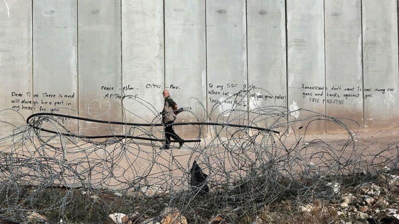 Koudelka – Shooting Holy Land , Gilad Baram (2015)